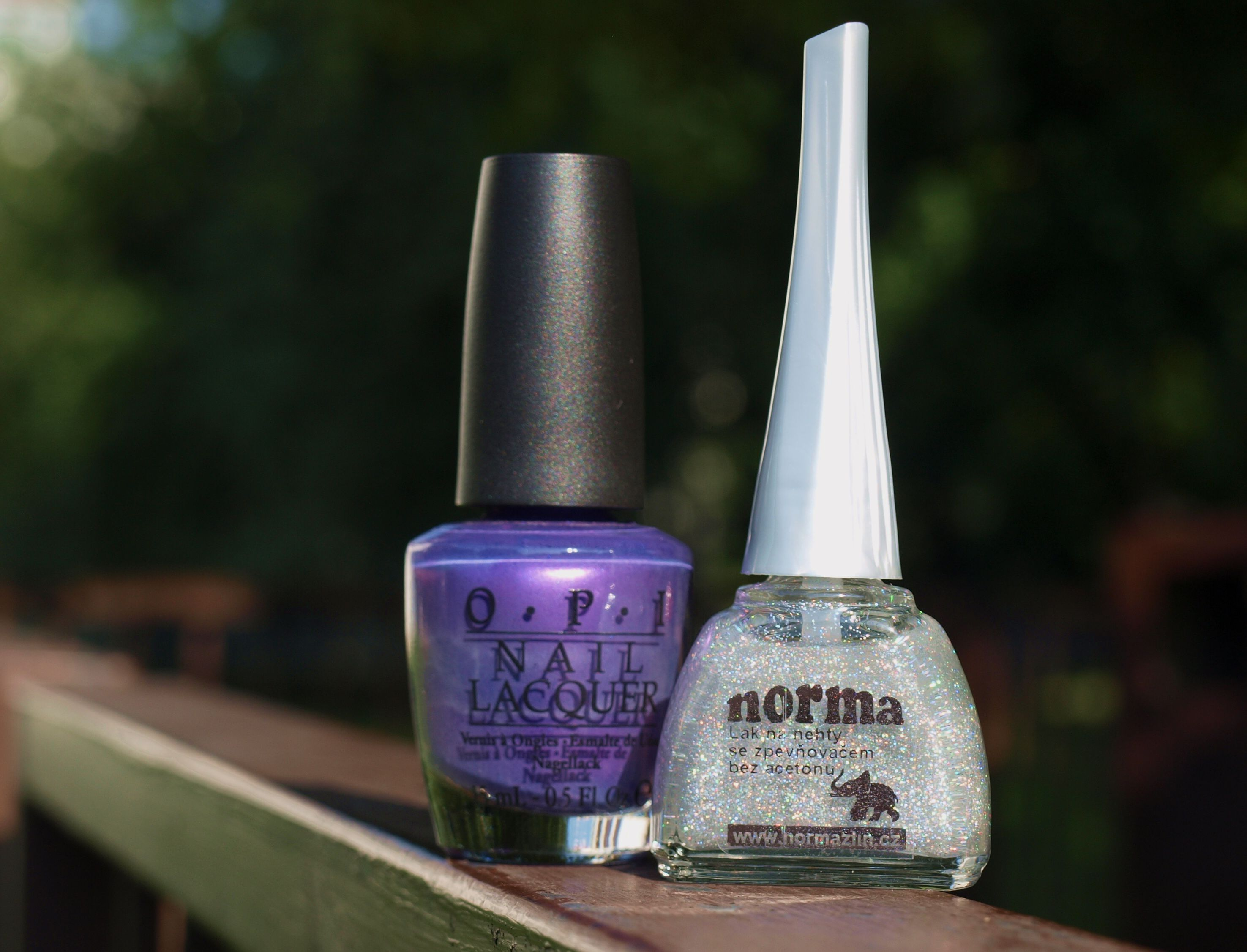 Dokonalá dvojka =  Opi Purple with a Purpose +  Norma číslo 32