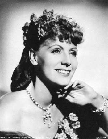 Není pravda, že se GG nikdy neusmála. I když to bylo až v předposlením, 34. filmu její kariéry:  Ninotchka, 1939. Zdroj:  http://www.answers.com/topic/greta-garbo