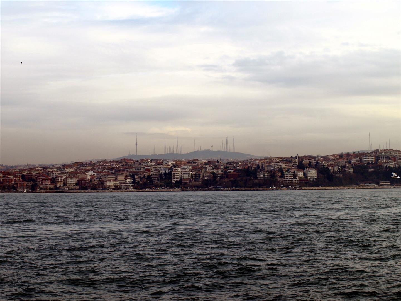 Asijský protějšek. Technické zázemí a sídliště pro obslužný personál boháteho evropského Istanbulu.